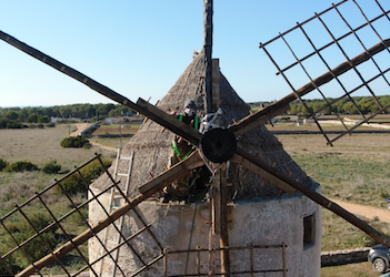 Crews cap restoration of La Mola windmill sweeps
